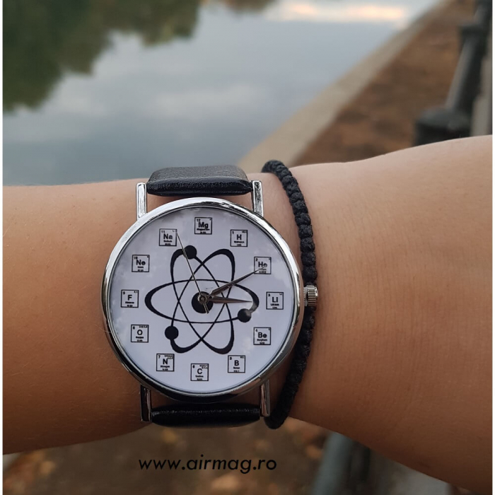 Ceas cu simboluri chimice si structura atom 4