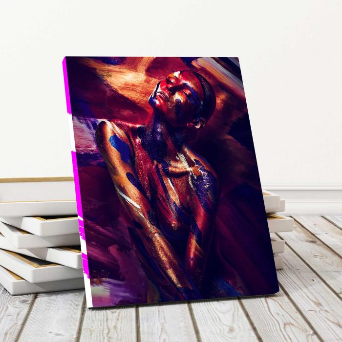 Tablou Canvas - Fata pictata [0]