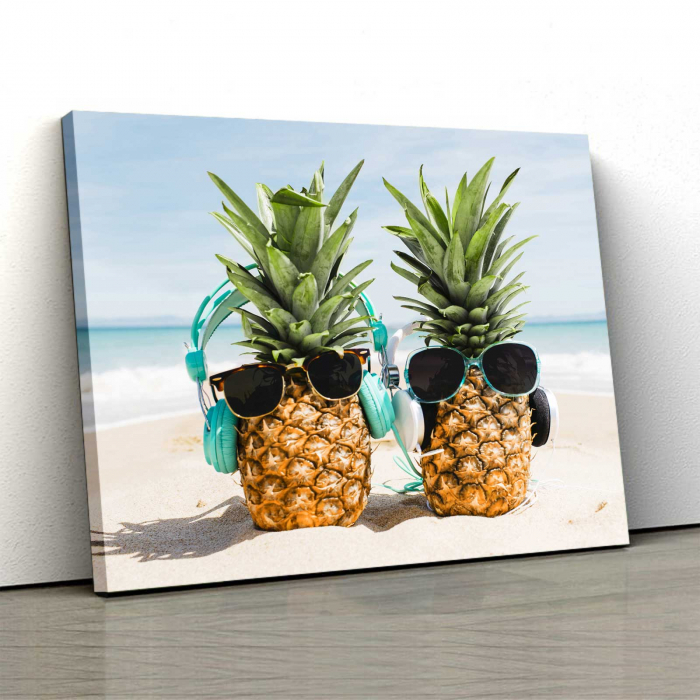 Tablou Canvas - Pineapple Holiday 0
