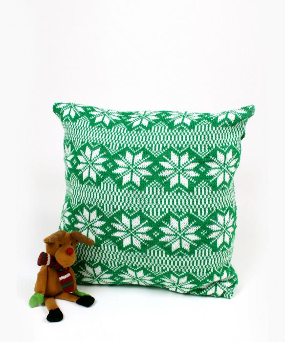 Perna decorativa cu model de iarna verde 0