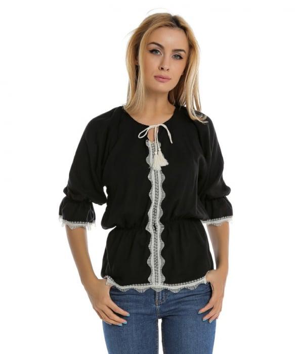 Bluza casual neagra cu maneci trei sferturi si aplicatie de dantela B110 0