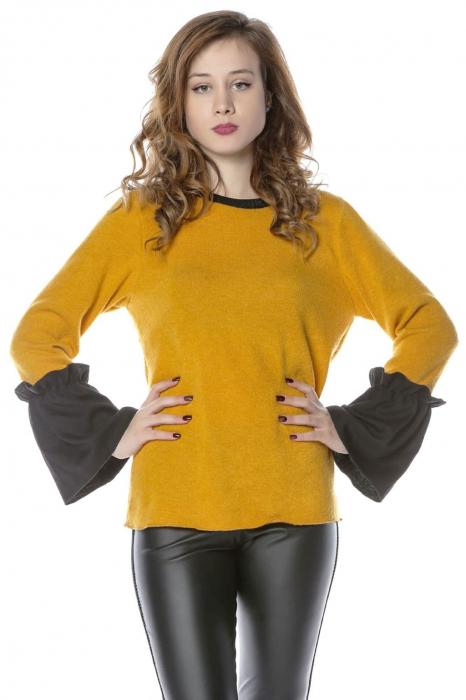 Bluza galbena din jerse cu volane aplicate la maneci B114 0