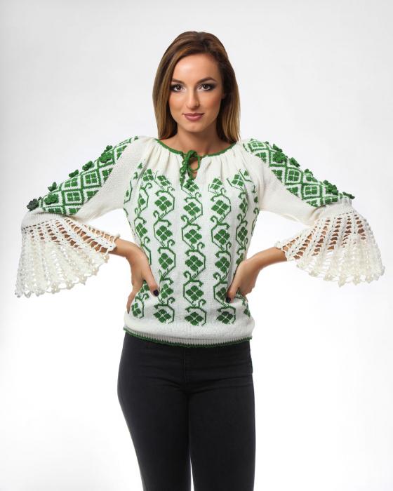 IE tricotata cu model floral verde si maneci lungi Onibon
