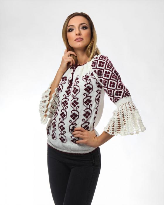 IE tricotata cu model floral si maneci lungi Onibon 1