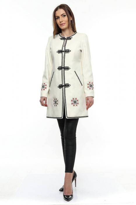 Palton dama alb stofa brodata PF19 0