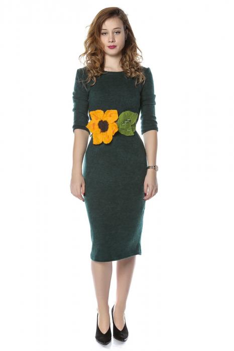 Rochie dreapta verde din jerse cu maneci 3/4 si aplicatie florala RO210B 0