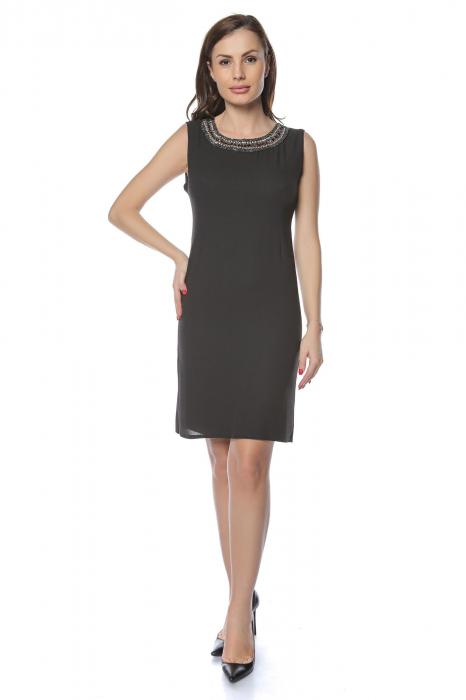 Rochie dama eleganta neagra cu margele multicolore la gat RO236 0