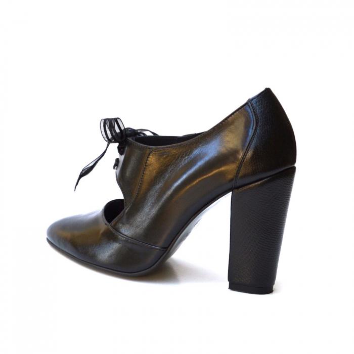 Pantofi cu toc gros si siret din organza 4