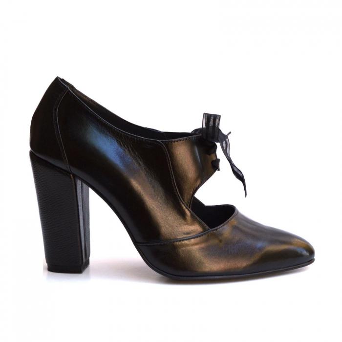 Pantofi cu toc gros si siret din organza 0