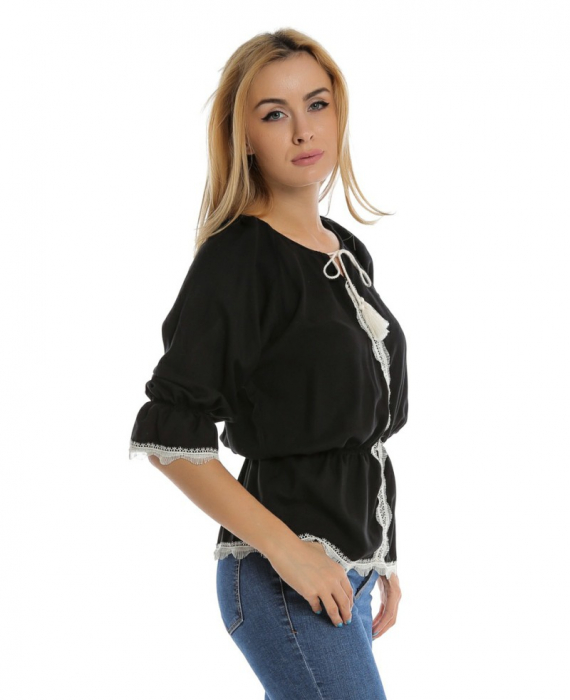 Bluza casual neagra cu maneci trei sferturi si aplicatie de dantela B110 1