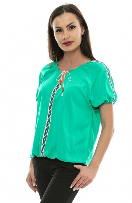 Bluza cu aplicatii dantela brodata B80 1