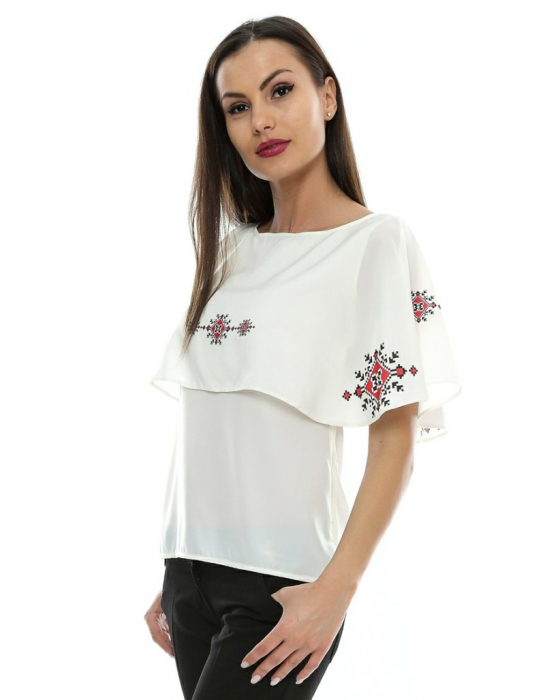 Bluza cu print digital motive traditionale B72 1