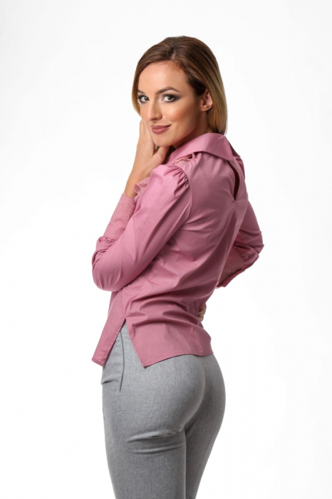 Bluza dama roz cu jabou din dantela 2