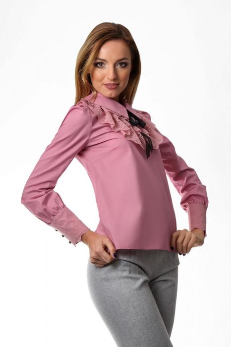 Bluza dama roz cu jabou din dantela 1