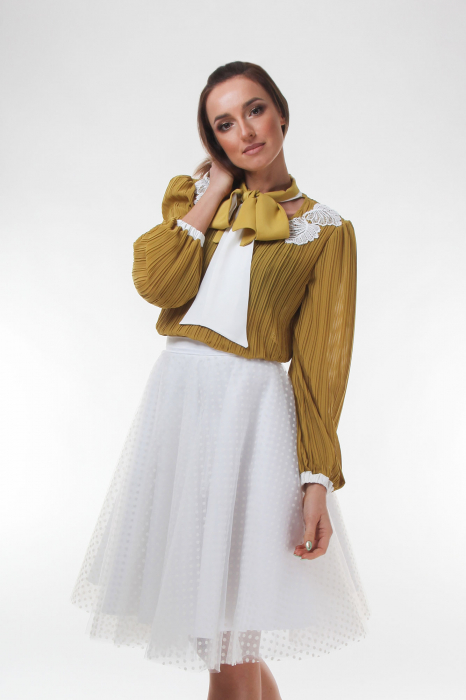 Bluza eleganta galbena din voal plisat 1