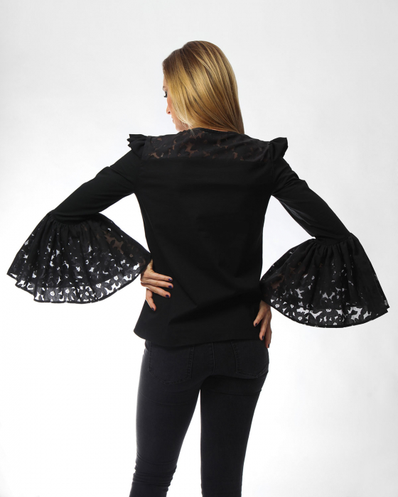 Bluza eleganta neagra cu maneci ample tip clopot 1