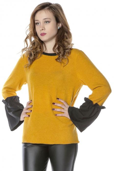 Bluza galbena din jerse cu volane aplicate la maneci B114 1