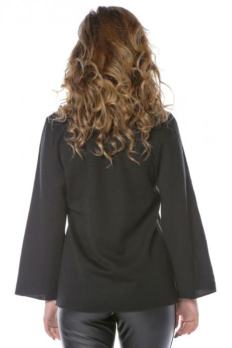 Bluza neagra din jerse cu floare aplicata B121 2