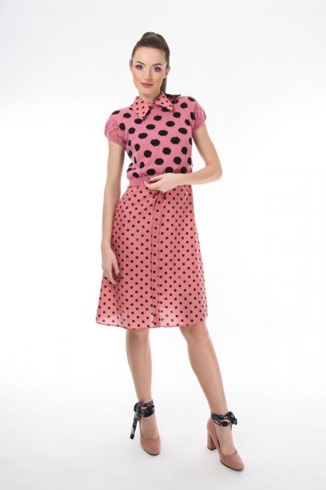 Top dama tricotat roz cu buline negre 1