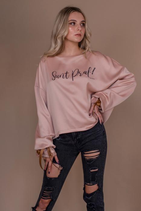 "Bluza oversize roz cu maneci lungi si imprimeu ""Sunt praf de zane"" 1"