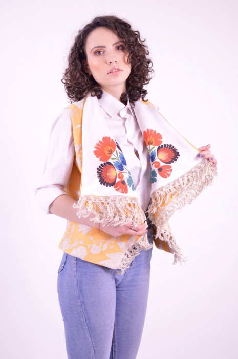 Vesta din brocart cu guler supradimensionat si imprimeu floral Folklore 1