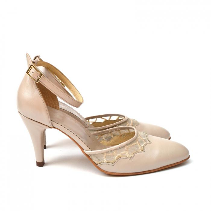 Pantofi dama eleganti cu toc jos Nude Lace 4