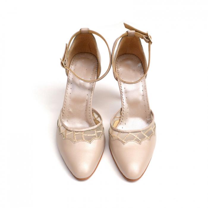 Pantofi dama eleganti cu toc jos Nude Lace 2