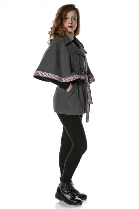 Capa dama din stofa gri cu insertii traditionale romanesti CA11 1
