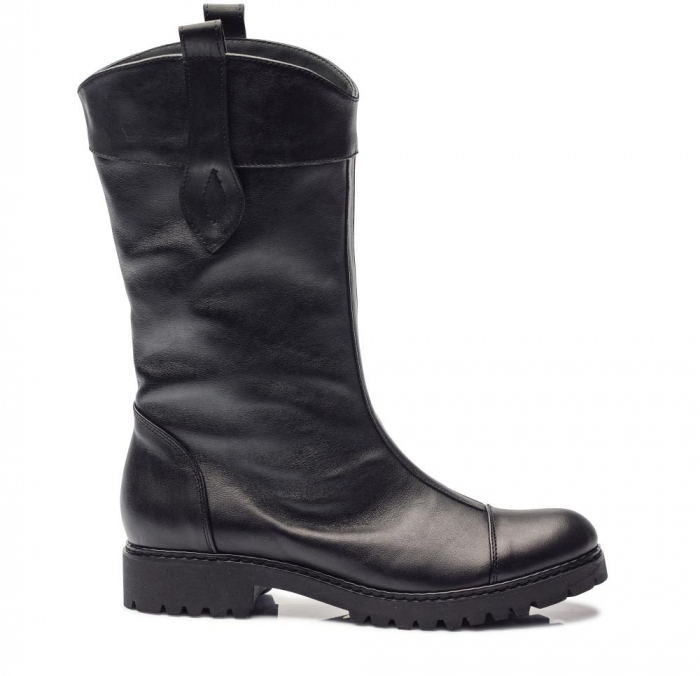 Cizme negre cu talpa joasa din piele naturala CB9 0