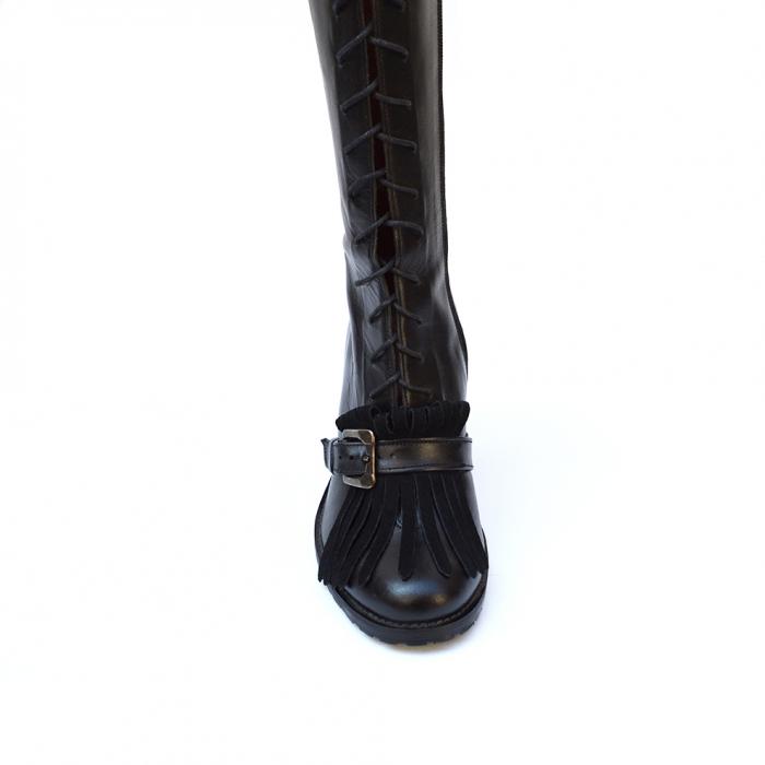 Cizme negre lungi cu siret accesorizate cu franjuri si catarama Ella 3