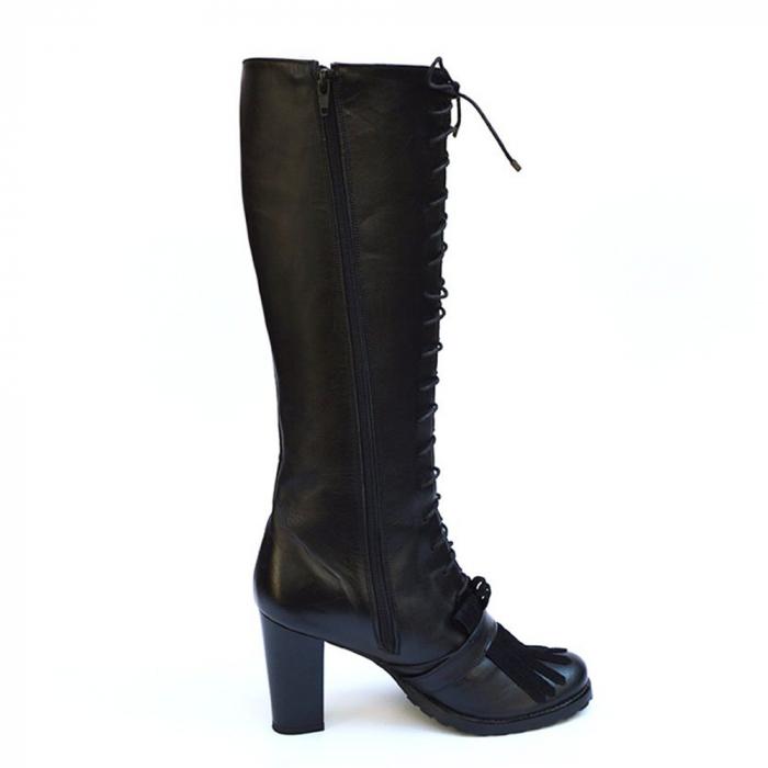 Cizme negre lungi cu siret accesorizate cu franjuri si catarama Ella 1