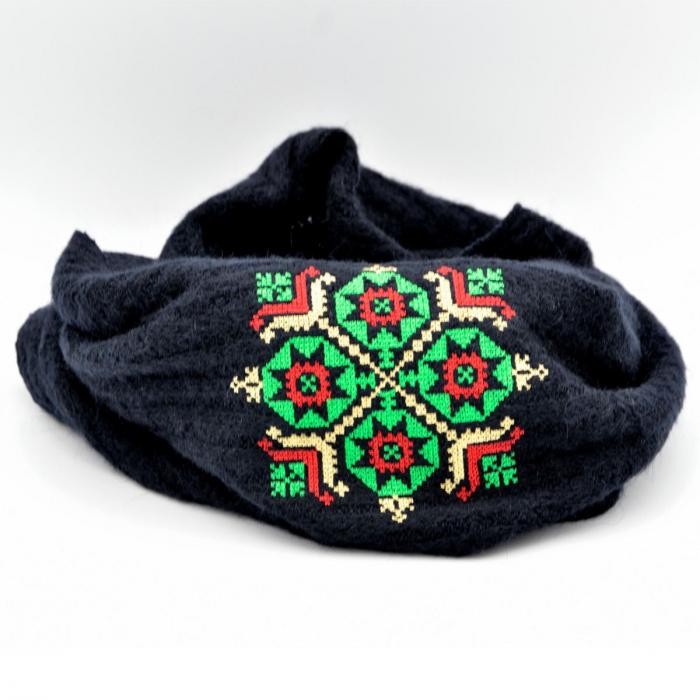 Fular bleumarin cu broderie traditionala 1