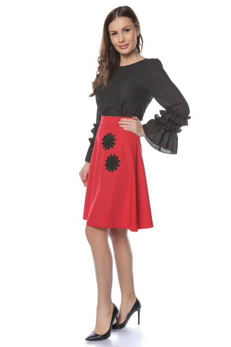 Fusta cloche rosie cu aplicatii florale negre FS85 1