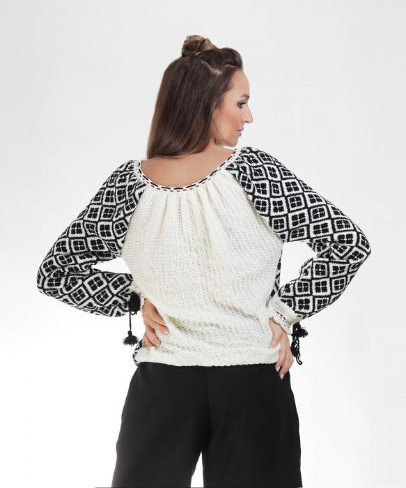 IE tricotata cu model negru Onibon 1
