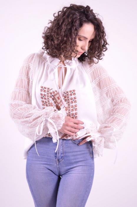 Bluza tip ie cu imprimeu traditional si maneci lungi din tulle fin 1