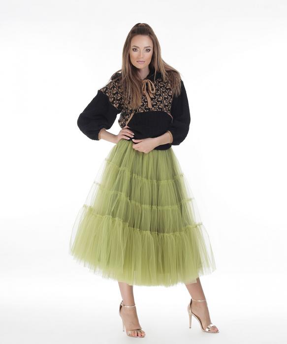 Hanorac dama negru tricotat cu motive romanesti 0
