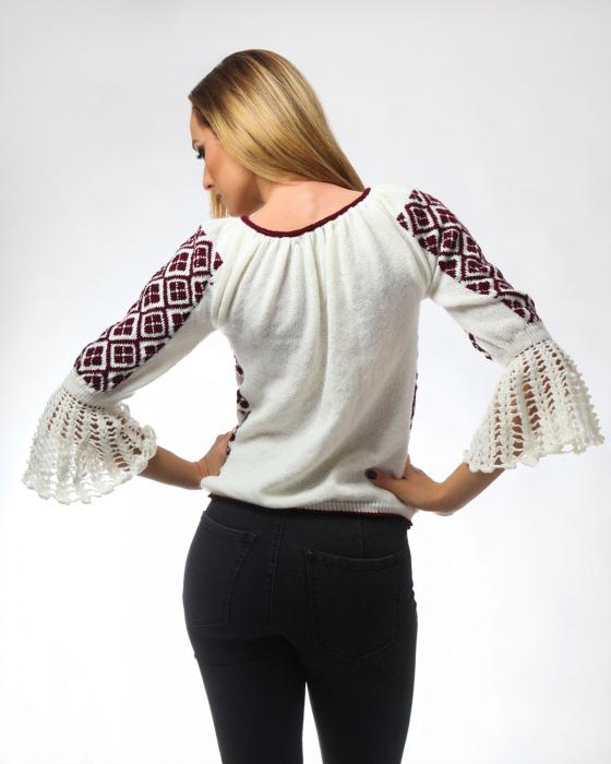 IE tricotata cu model floral si maneci lungi Onibon 2