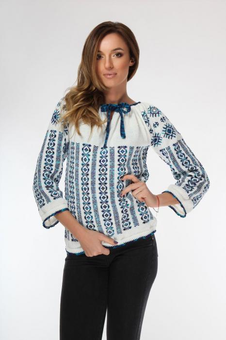 IE tricotata cu model albastru degrade si maneci lungi Onibon 0
