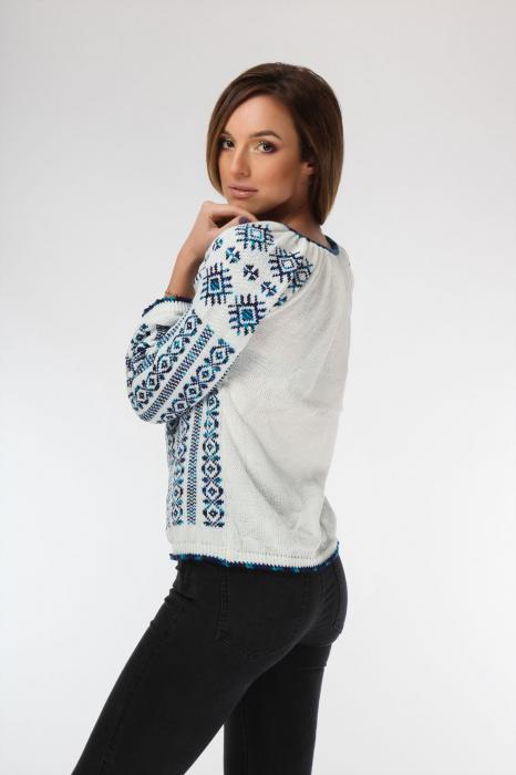 IE tricotata cu model albastru degrade si maneci lungi Onibon 1