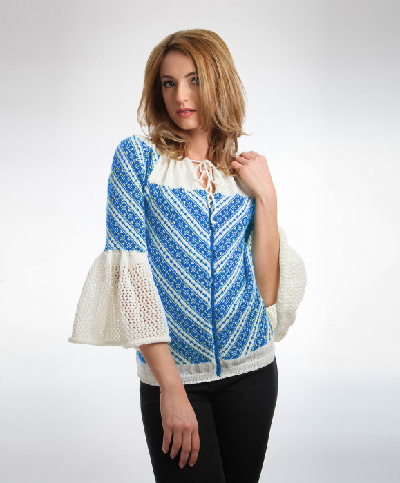 IE tricotata cu model traditional albastru si maneci clopot Onibon 0