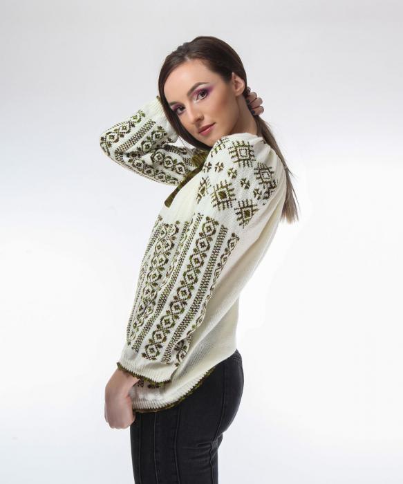 IE tricotata cu model traditional verde degrade Onibon 1