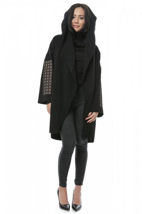 Jacheta brodata din stofa de lana Voichita