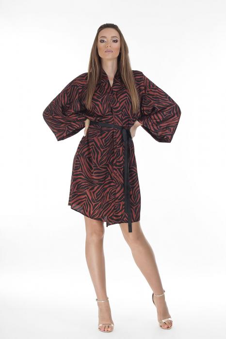 Kimono dama din matase satinata cu imprimeu animal print [0]