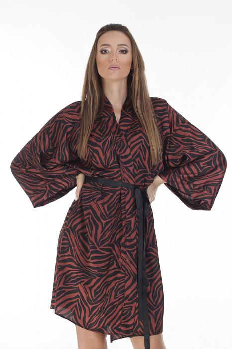 Kimono dama din matase satinata cu imprimeu animal print [1]