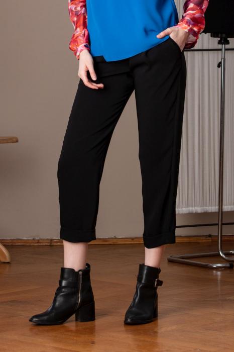 Pantaloni drepti trei sferturi negri Mistic 0