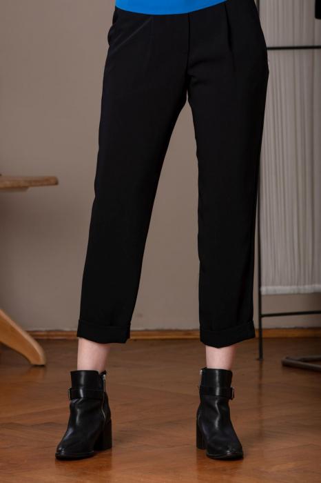 Pantaloni drepti trei sferturi negri Mistic 1