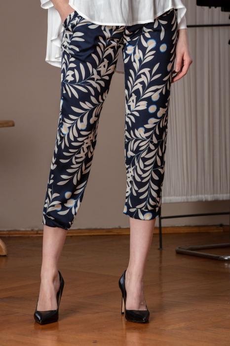 Pantaloni trei sferturi din vascoza imprimata Elixir 0