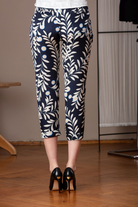 Pantaloni trei sferturi din vascoza imprimata Elixir 2
