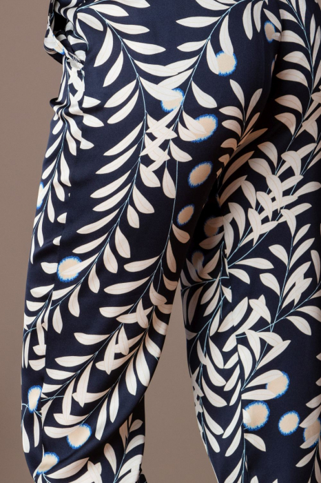 Pantaloni trei sferturi din vascoza imprimata Elixir 3