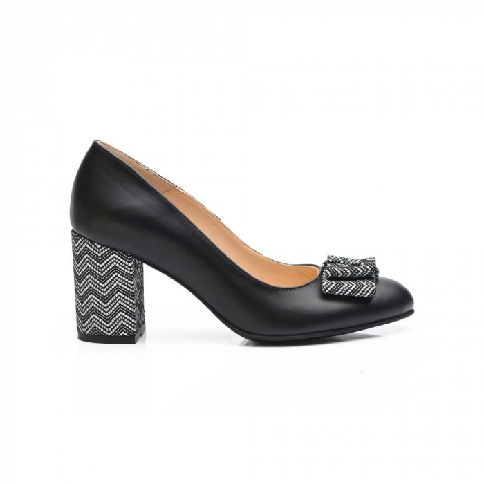 Pantofi cu toc gros negri din piele si funda decorativa 2